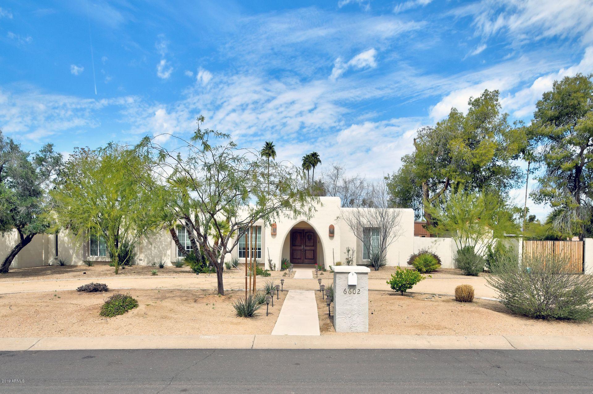 Photo of 6602 E NORTH Lane, Paradise Valley, AZ 85253