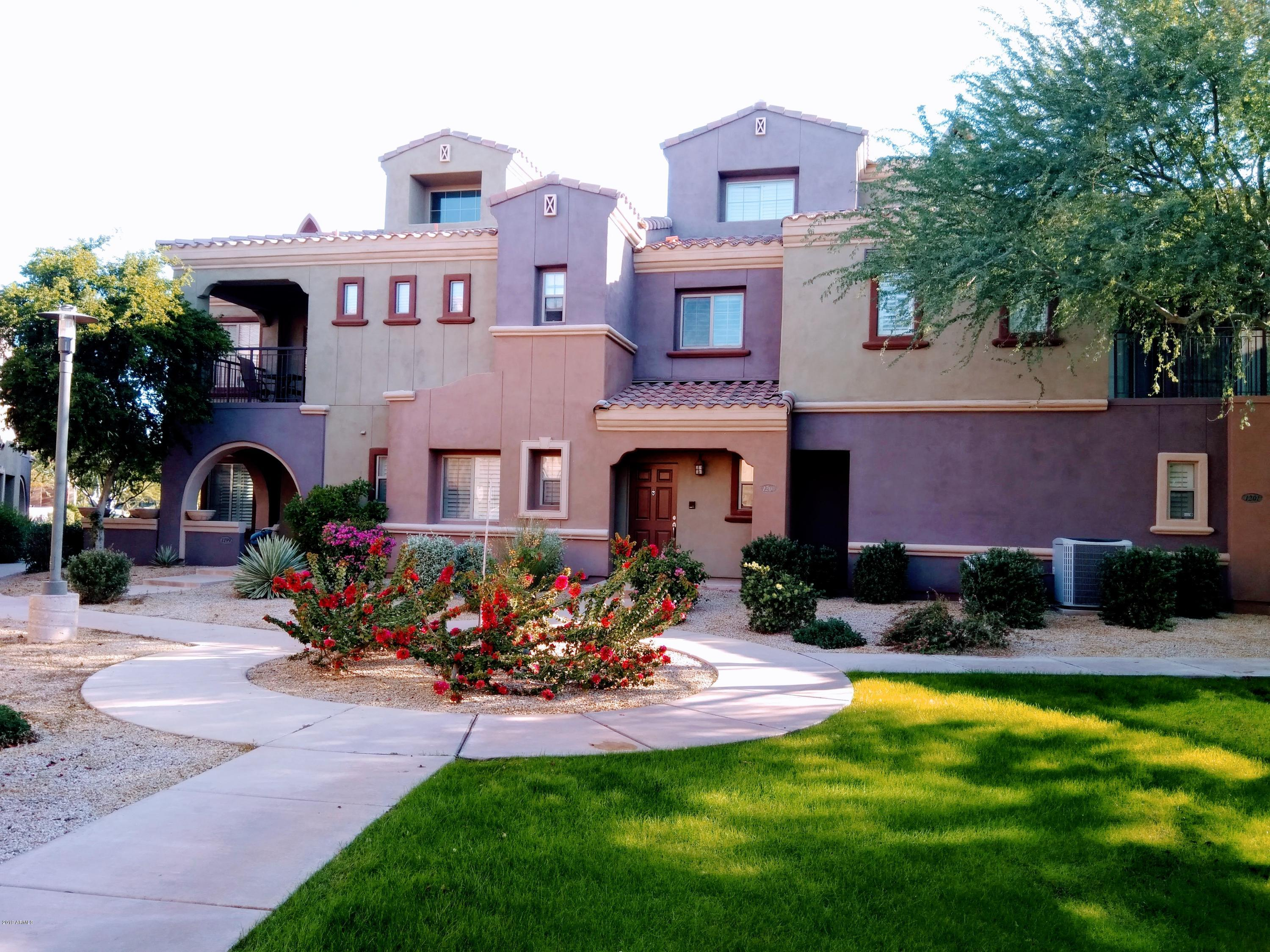 Photo of 3935 E ROUGH RIDER Road #1200, Phoenix, AZ 85050
