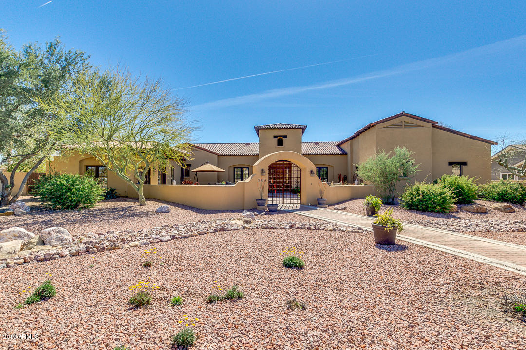 Photo of 2819 E VIRGO Place, Chandler, AZ 85249