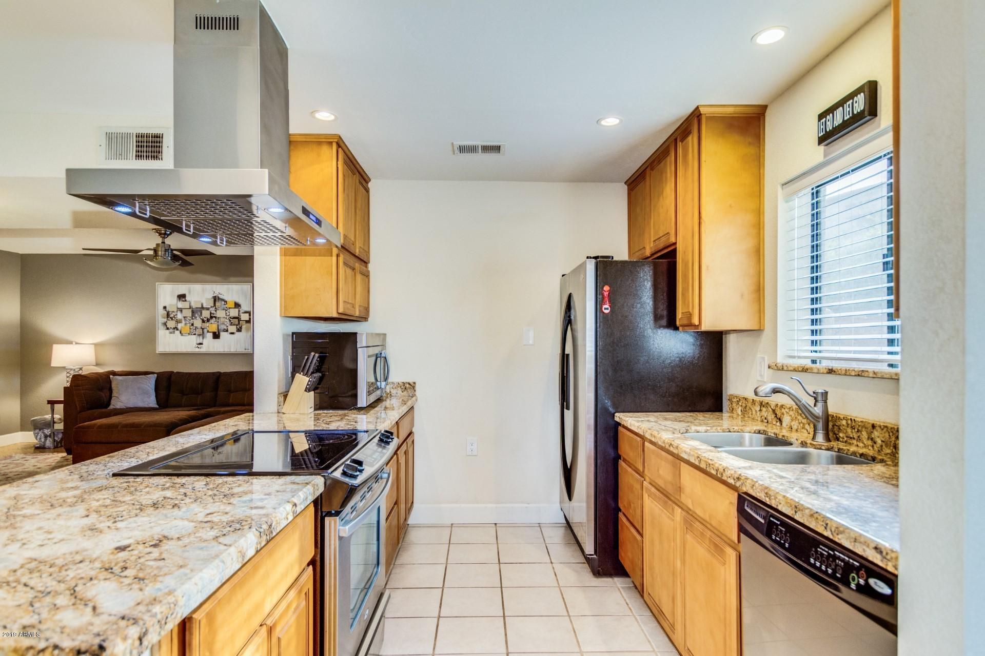 Photo of 850 S RIVER Drive #1044, Tempe, AZ 85281