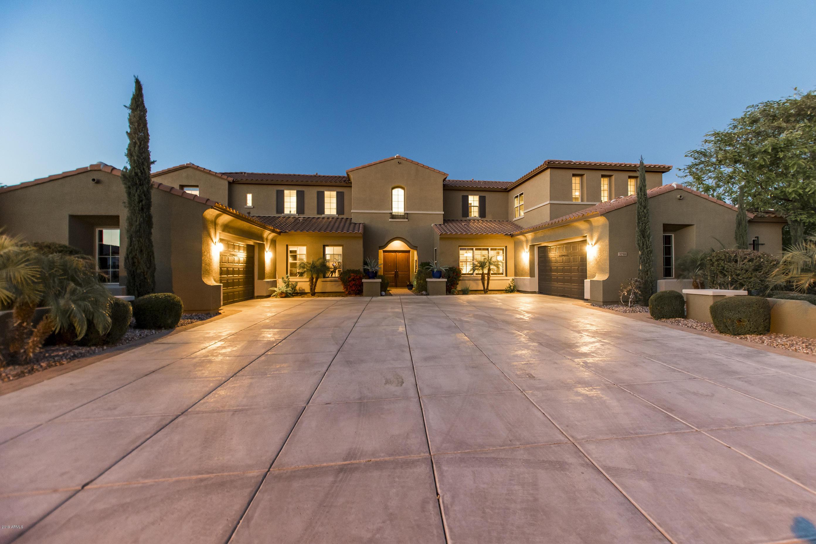 Photo of 3758 E ENCANTO Street, Mesa, AZ 85205