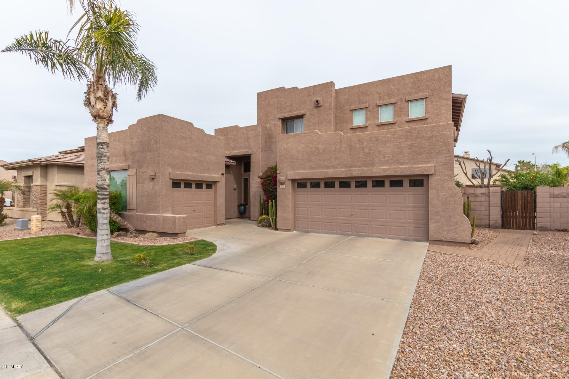 Photo of 3128 E LA COSTA Place, Chandler, AZ 85249