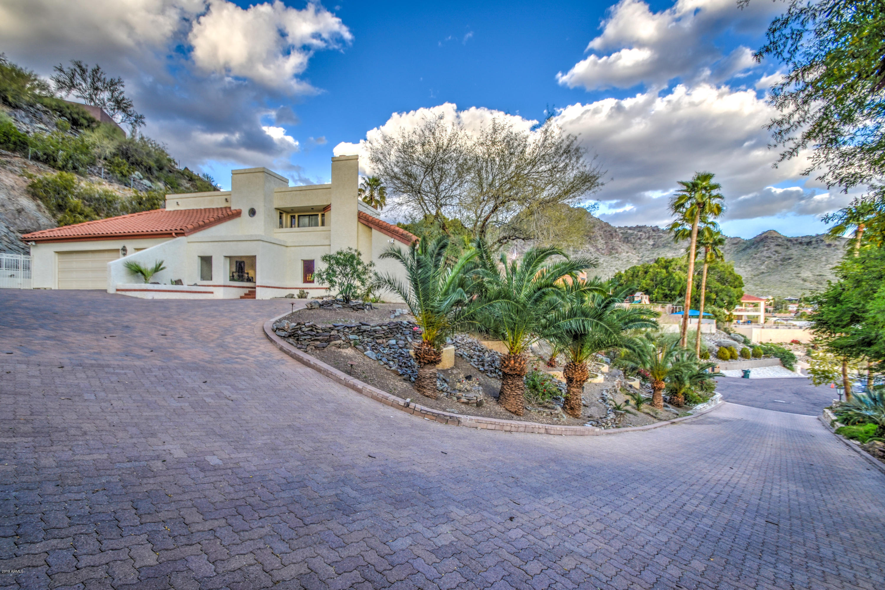 Photo of 7539 N 21ST Place, Phoenix, AZ 85020