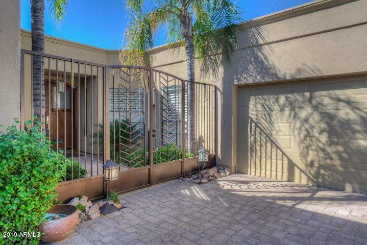 Photo of 2737 E ARIZONA BILTMORE Circle #23, Phoenix, AZ 85016