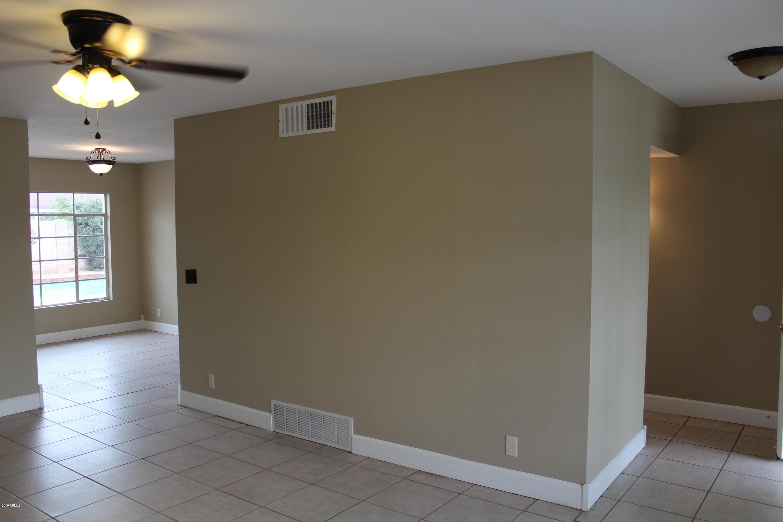 Photo of 532 W IVANHOE Street, Chandler, AZ 85225