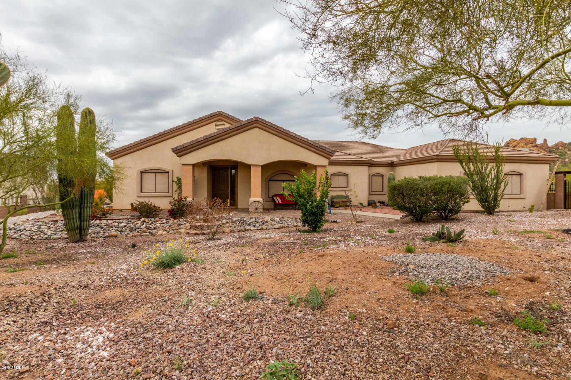 Photo of 5136 N WOLVERINE PASS Road, Apache Junction, AZ 85119