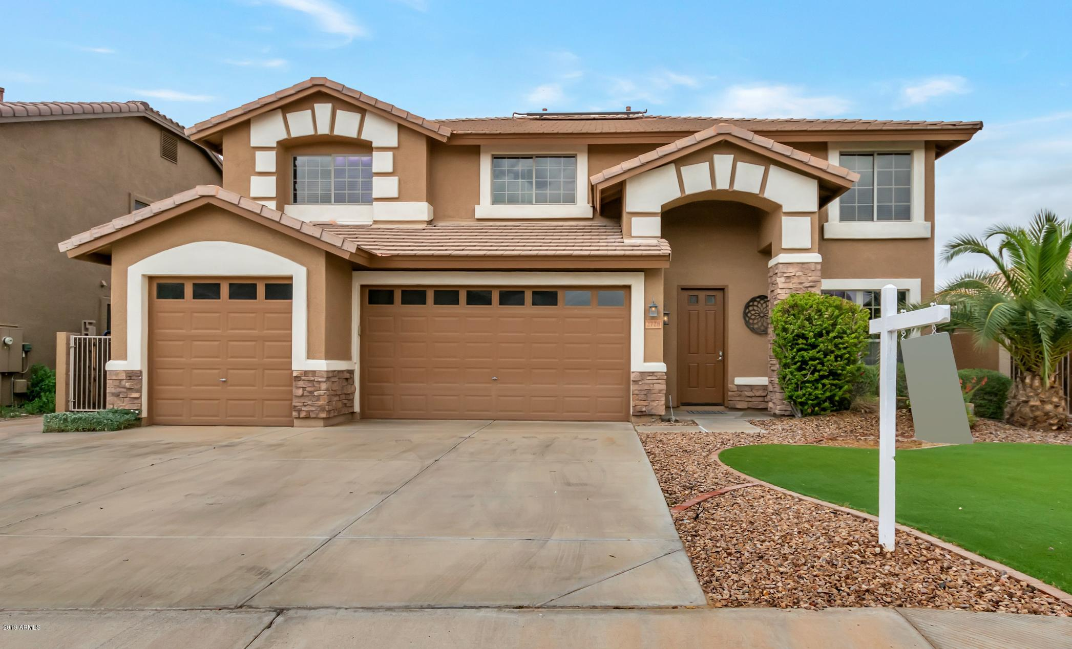 Photo of 2728 E TEAKWOOD Place, Chandler, AZ 85249