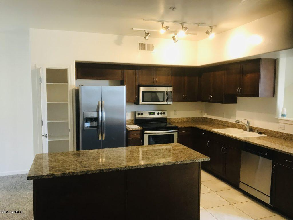 Photo of 1920 E BELL Road #1071, Phoenix, AZ 85022