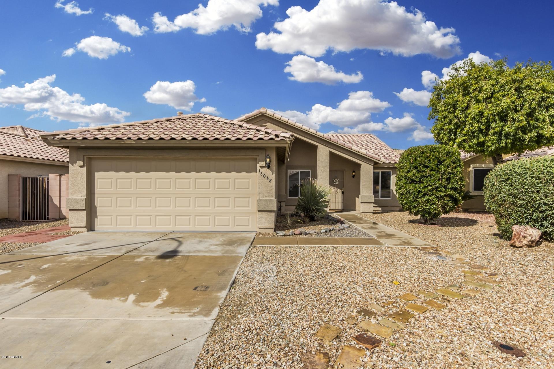 Photo of 16048 W DESERT BLOOM Street, Goodyear, AZ 85338