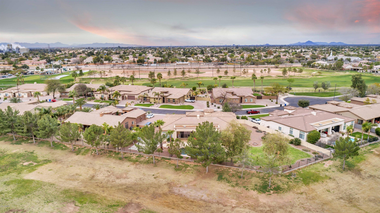 MLS 5895833 663 S PARKCREST Street, Gilbert, AZ Gilbert AZ Greenfield Lakes