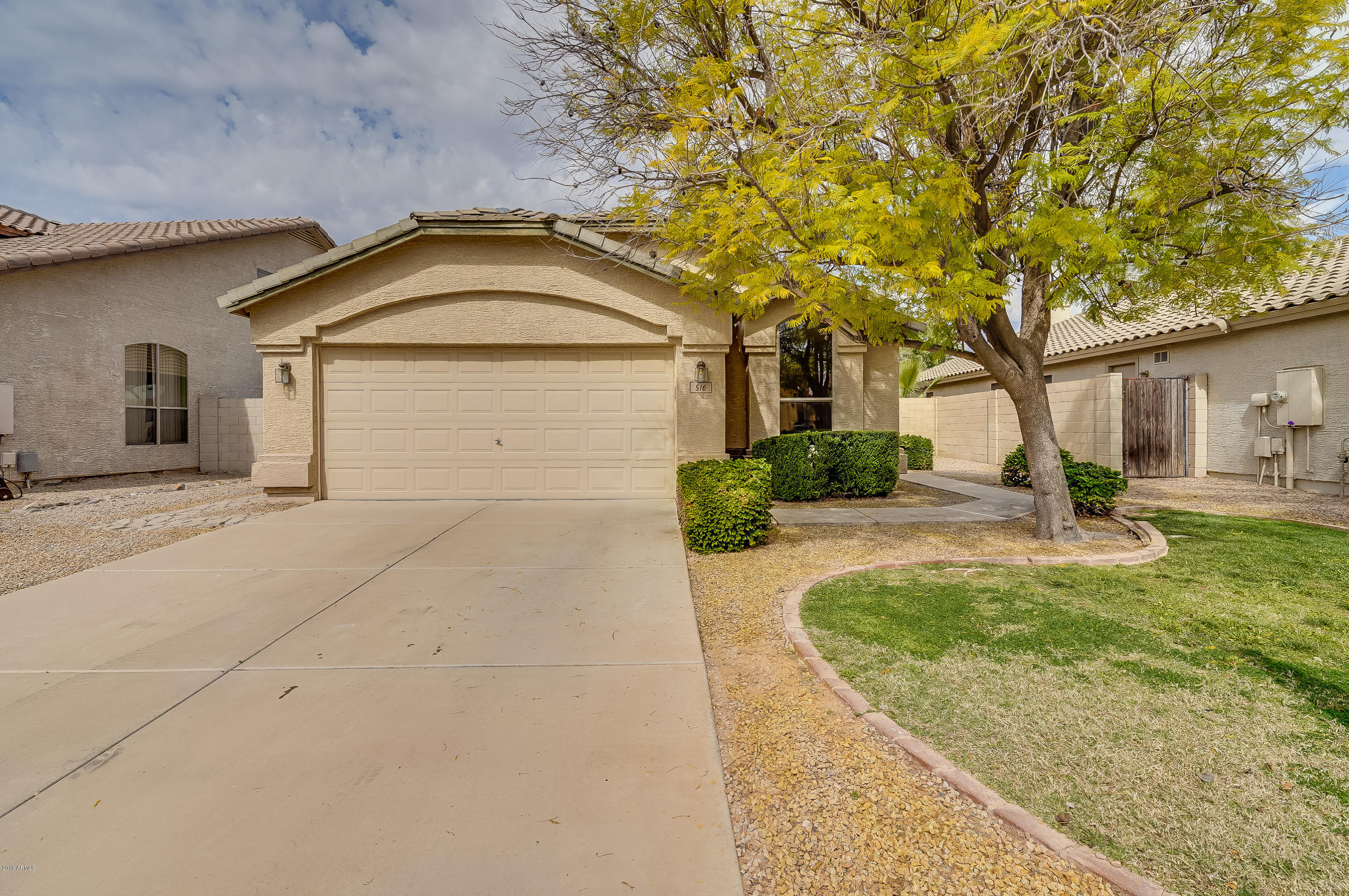 Photo of 516 E DEVON Drive, Gilbert, AZ 85296
