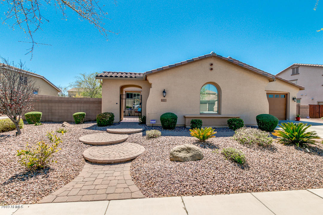Photo of 55 W BLUE RIDGE Way, Chandler, AZ 85248