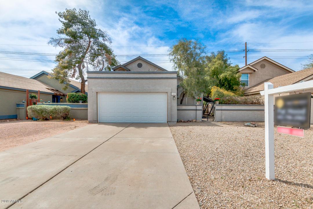Photo of 142 S LAVEEN Drive, Chandler, AZ 85226