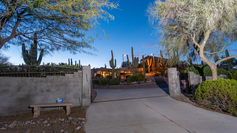 Photo of 612 N SIGNAL BUTTE Road, Mesa, AZ 85207