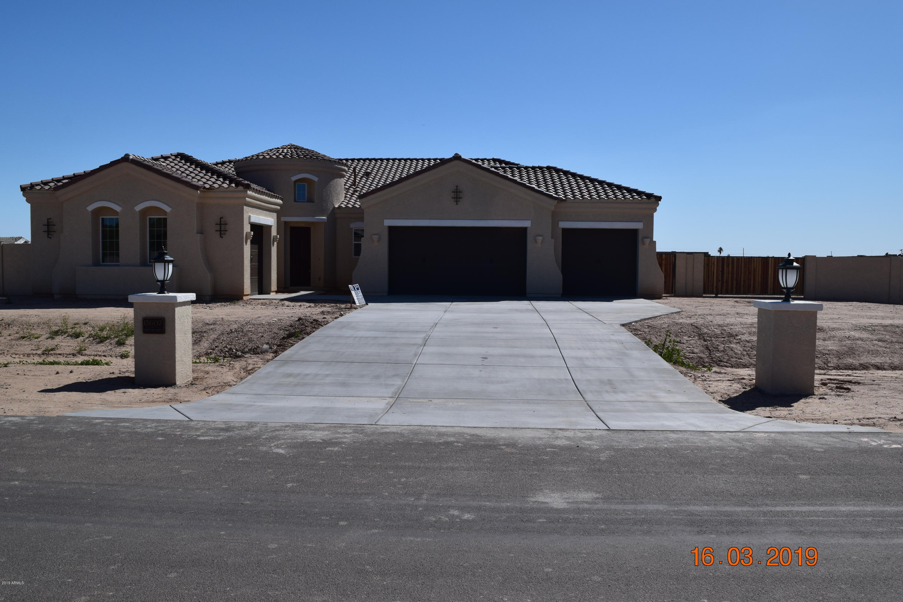 Photo of 13607 W OCOTILLO Road, Glendale, AZ 85307