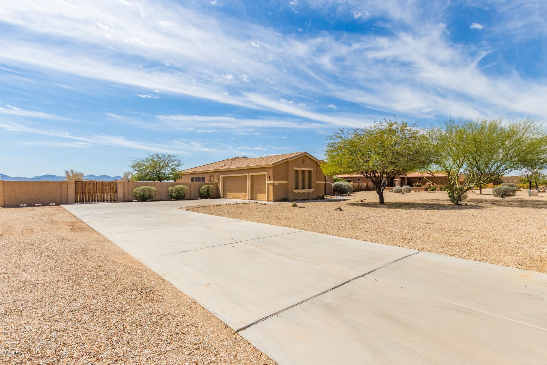 Photo of 22745 W MARK Lane, Wittmann, AZ 85361