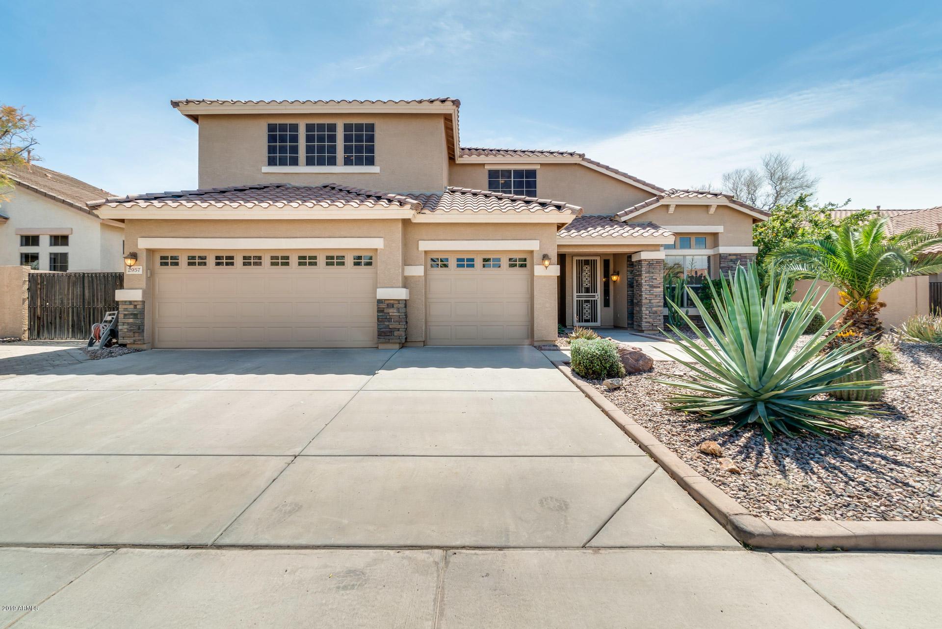 Photo of 2957 E COUNTY DOWN Drive, Chandler, AZ 85249