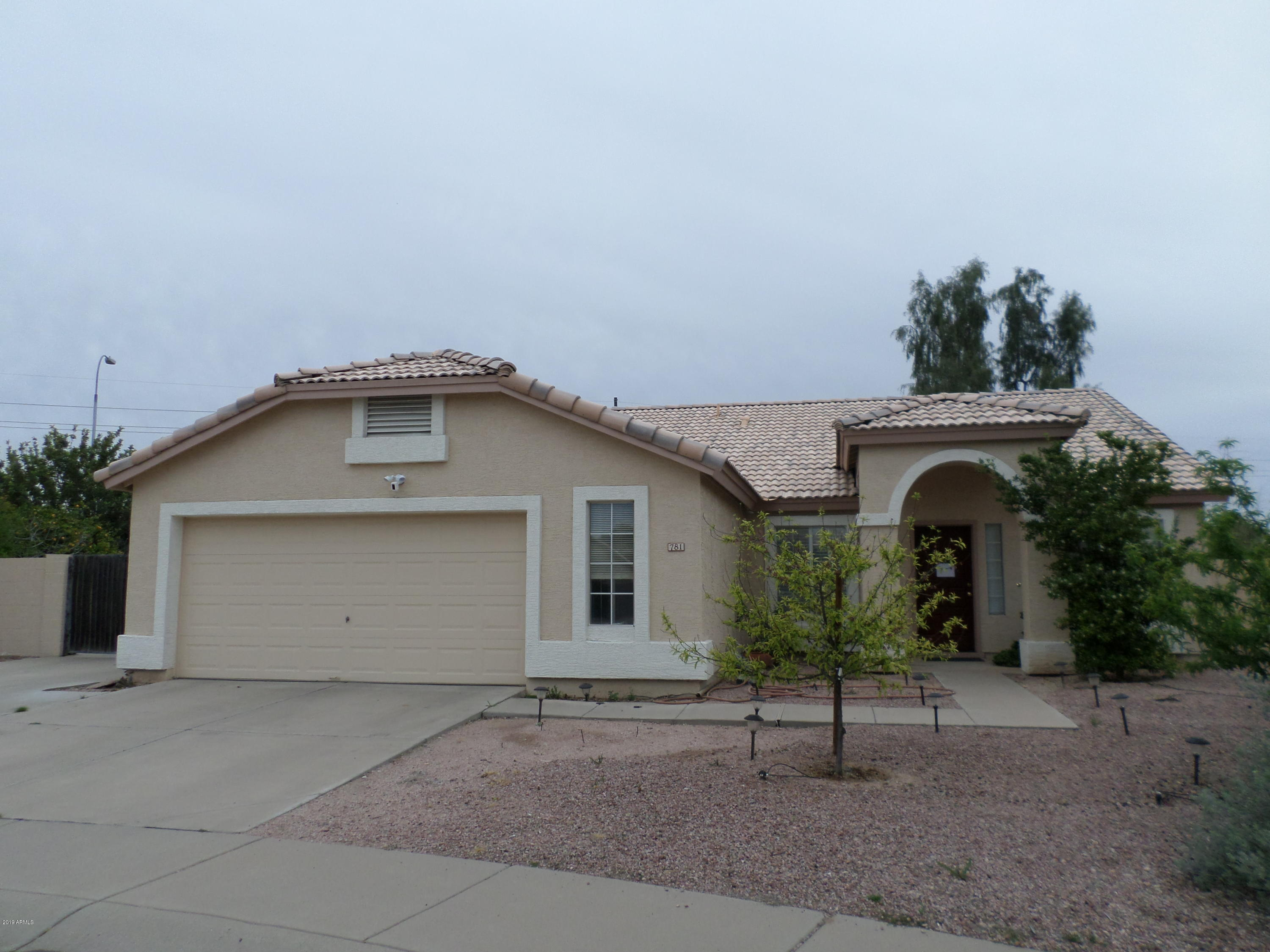Photo of 781 W KESLER Lane, Chandler, AZ 85225