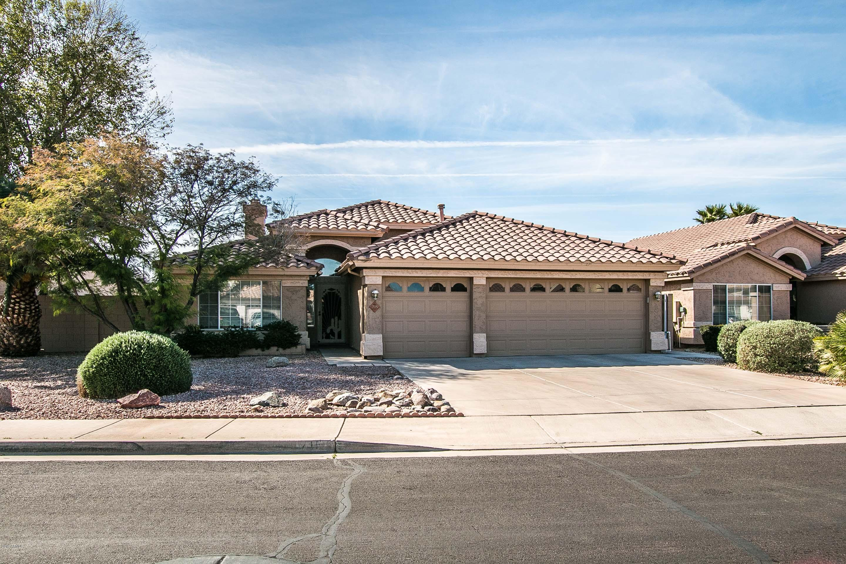 Photo of 715 W DOUGLAS Avenue, Gilbert, AZ 85233