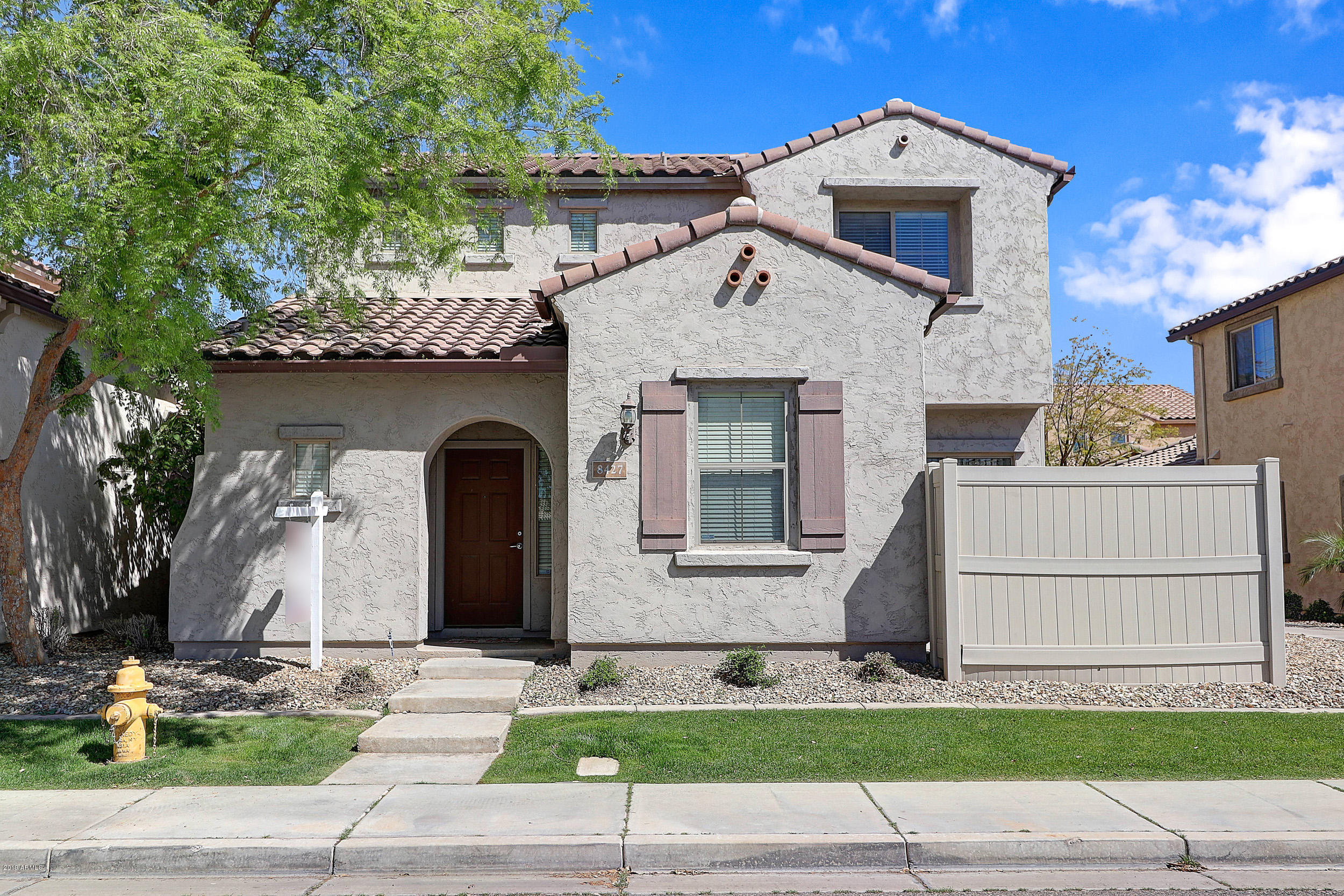 Photo of 8427 W LEWIS Avenue, Phoenix, AZ 85037