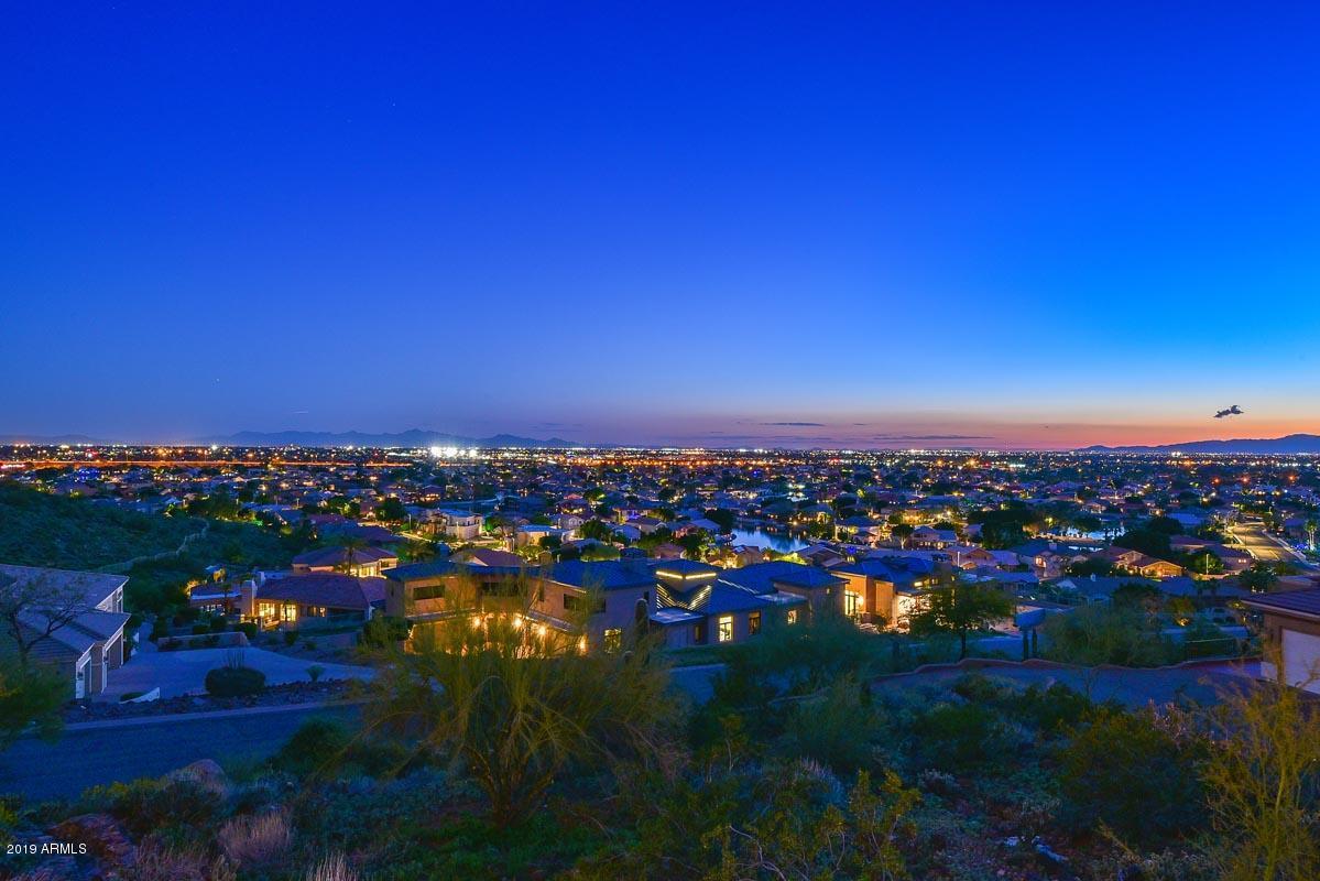 5142 W Arrowhead Lakes Drive, Glendale AZ 85308