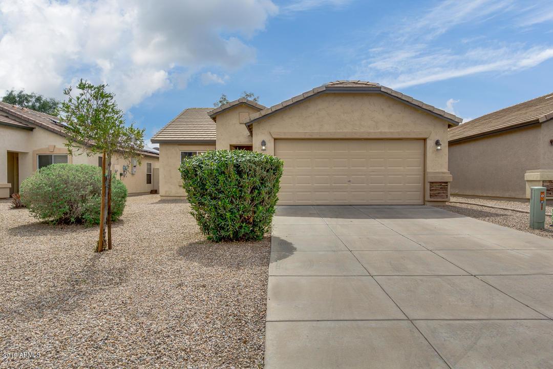 Photo of 2867 E MINERAL PARK Road, San Tan Valley, AZ 85143