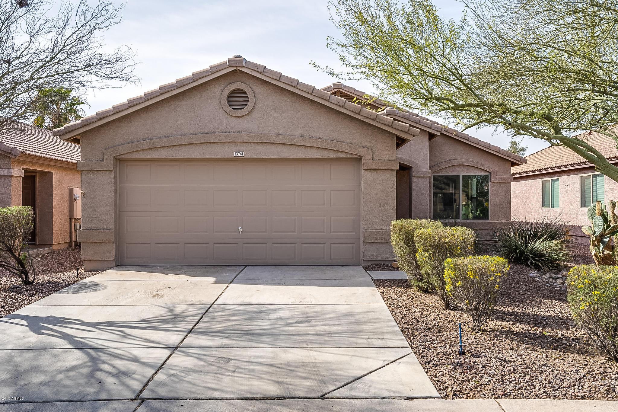 Photo of 13741 W PECK Drive, Litchfield Park, AZ 85340