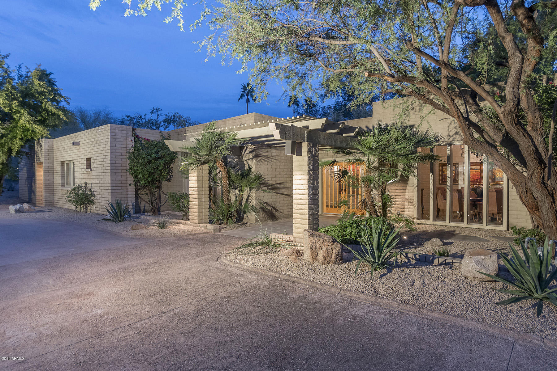 Photo of 4615 E PALOMINO Road, Phoenix, AZ 85018
