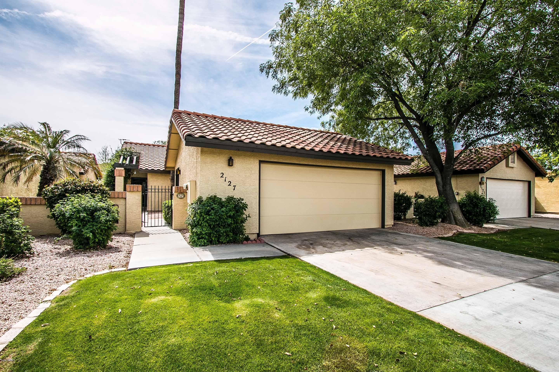 Photo of 2127 E FAIRVIEW Avenue, Mesa, AZ 85204