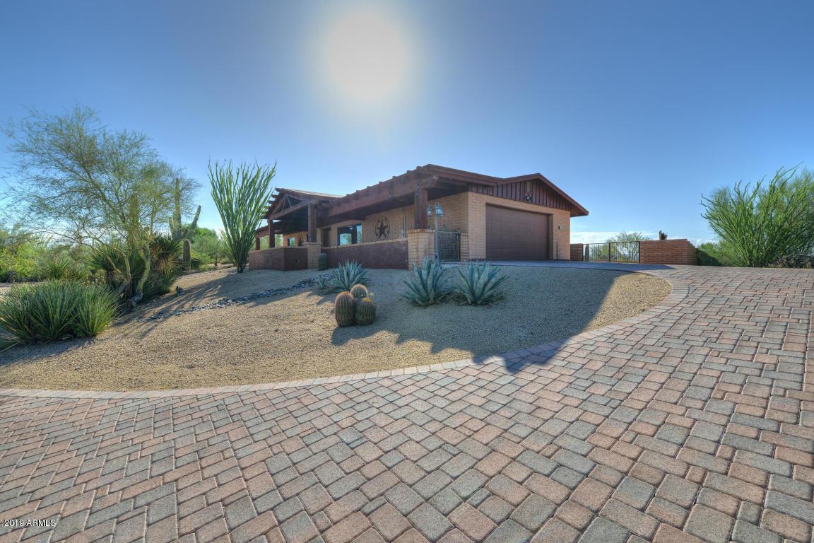 Photo of 8929 E LAZYWOOD Place, Carefree, AZ 85377