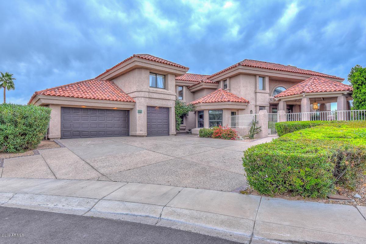 Photo of 5898 W DEL LAGO Circle, Glendale, AZ 85308