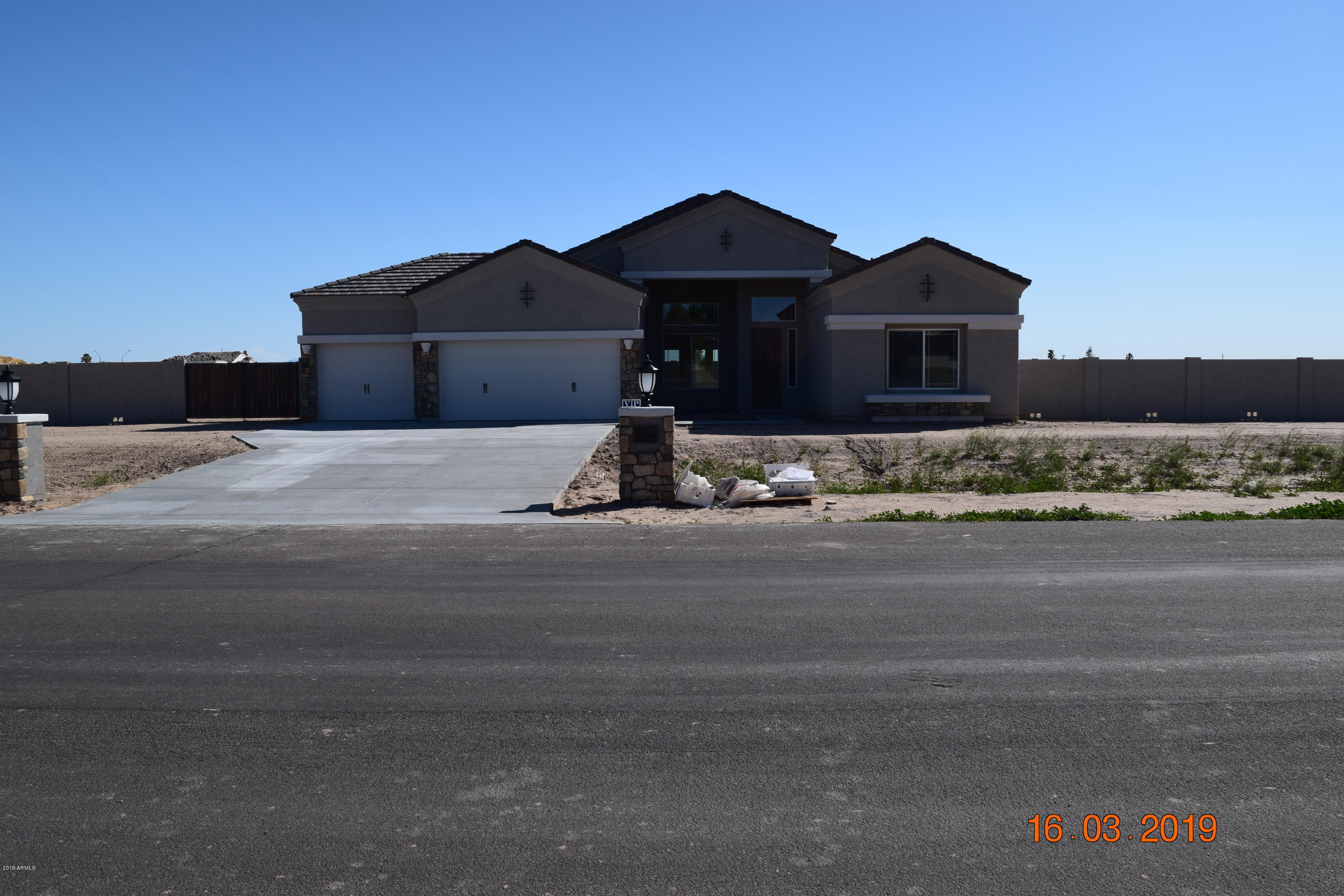 Photo of 13533 W OCOTILLO Road, Glendale, AZ 85307