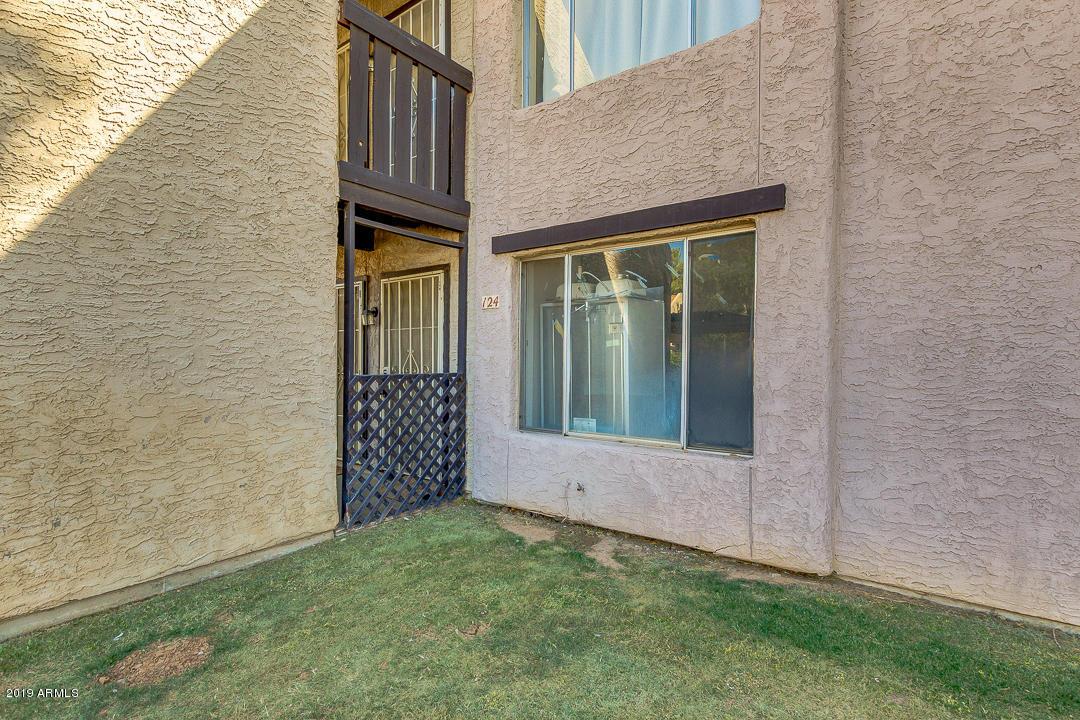 Photo of 1927 E HAMPTON Avenue #124, Mesa, AZ 85204