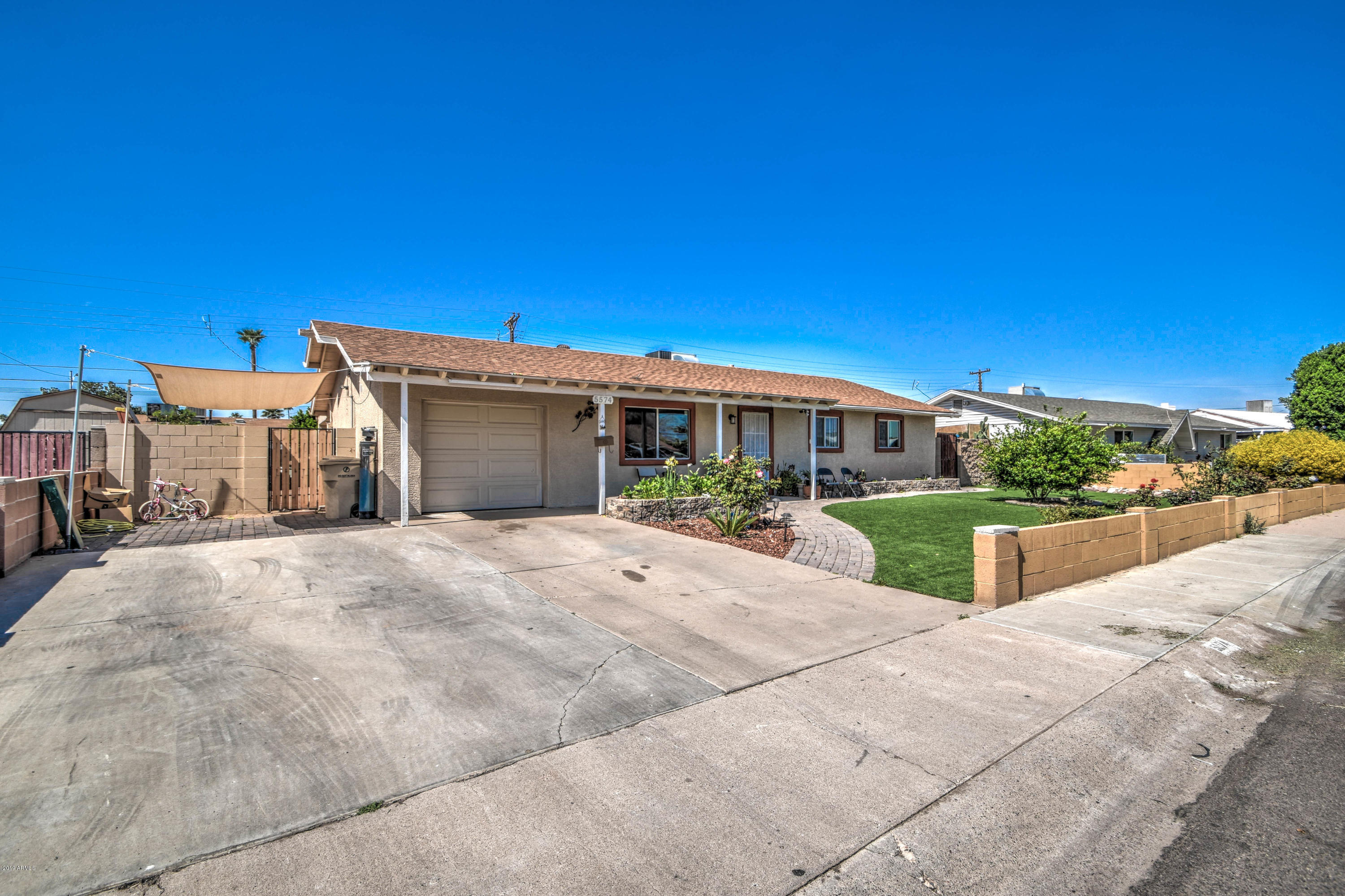 Photo of 5574 N 62ND Drive, Glendale, AZ 85301