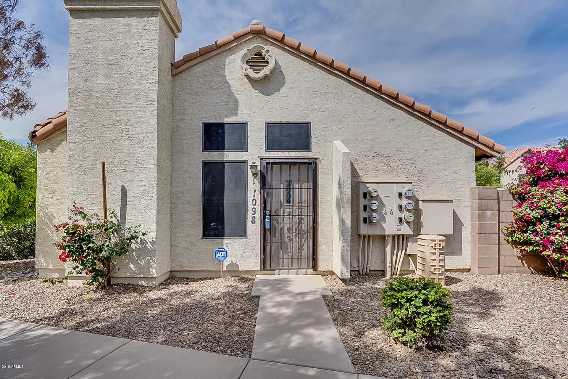 Photo of 921 W UNIVERSITY Drive #1098, Mesa, AZ 85201
