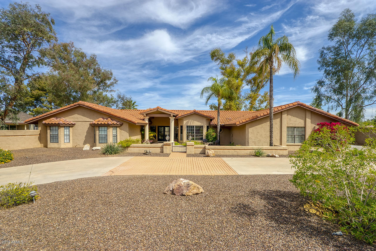 Photo of 5224 W ELECTRA Lane, Glendale, AZ 85310