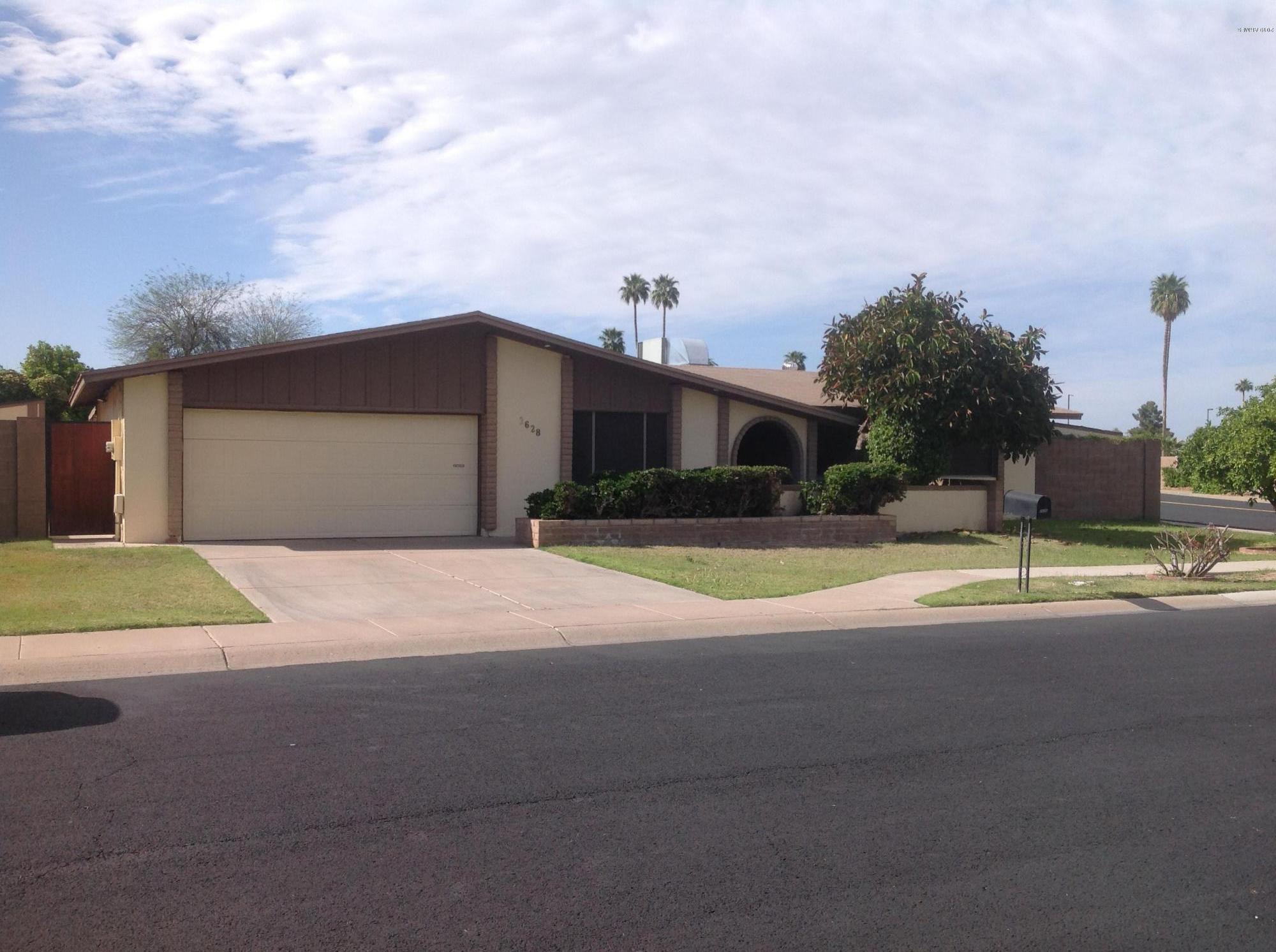 Photo of 2628 W LA SENDA Circle, Mesa, AZ 85202