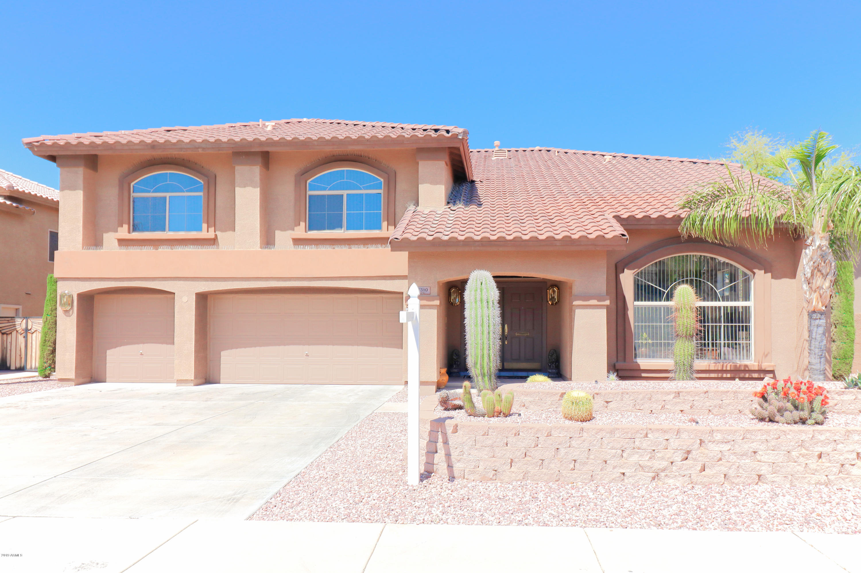 Photo of 7310 W CRABAPPLE Drive, Peoria, AZ 85383