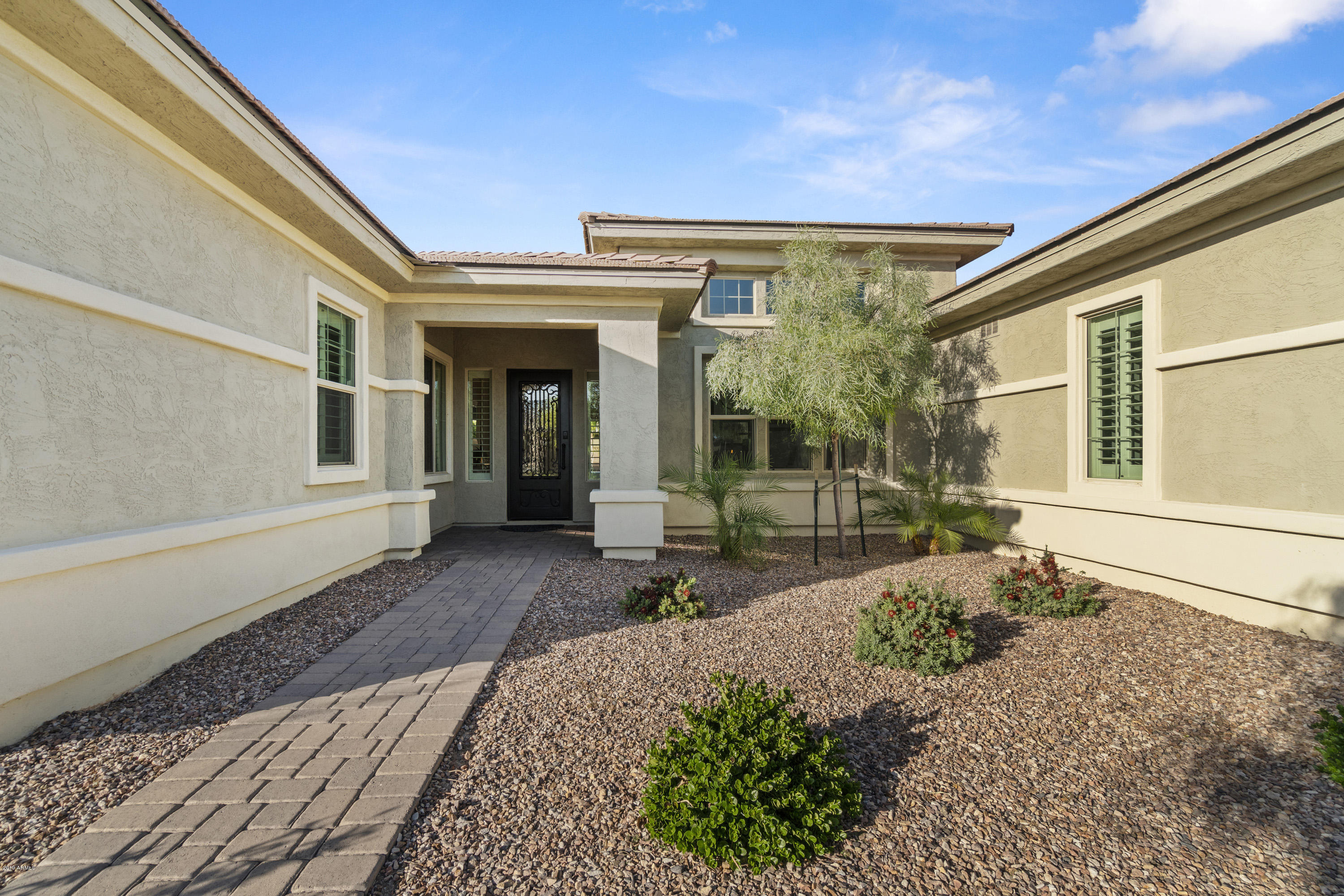 Photo of 3304 E ASTER Drive, Chandler, AZ 85286