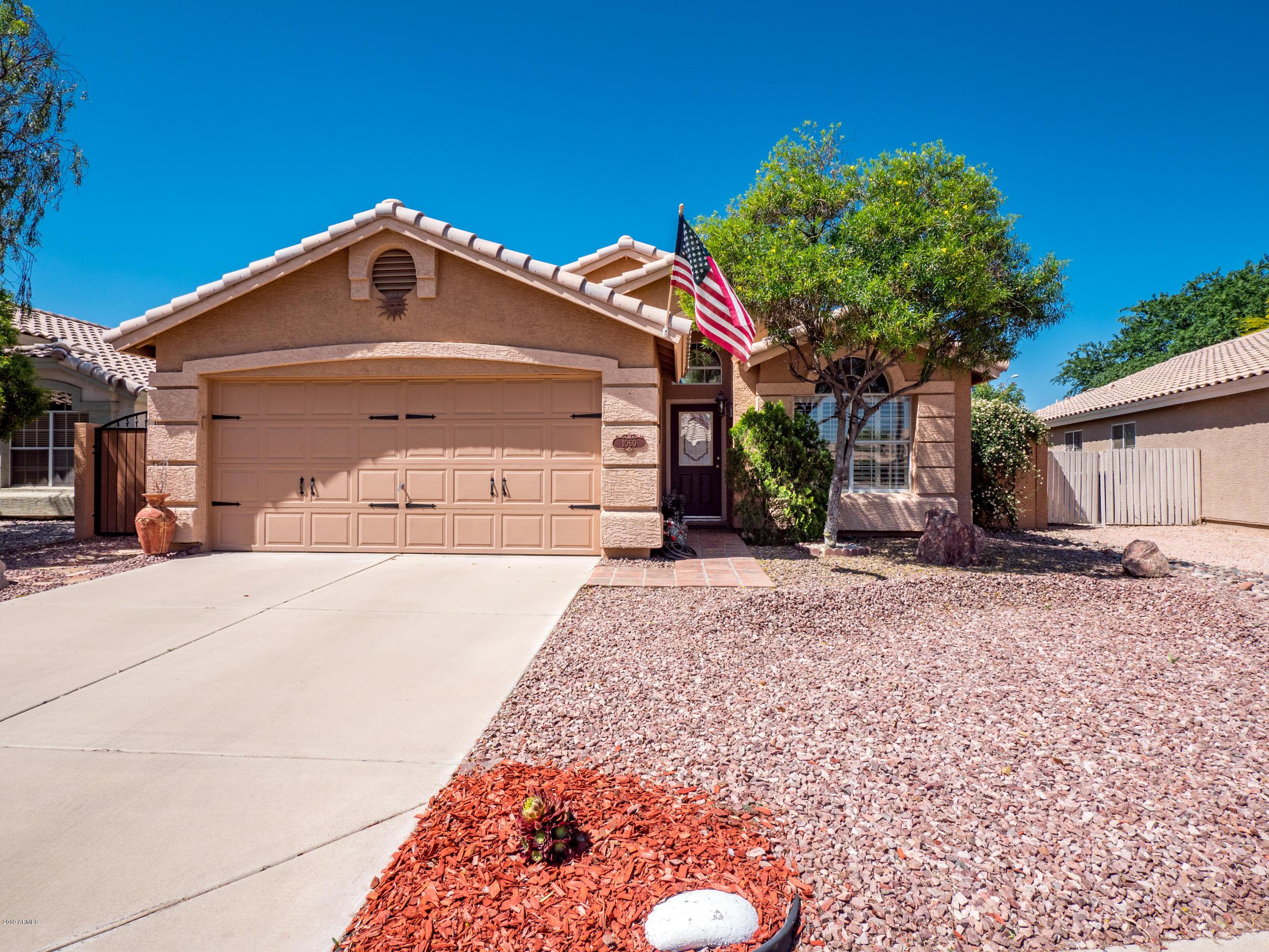 Photo of 1060 N ROBINS Way, Chandler, AZ 85225