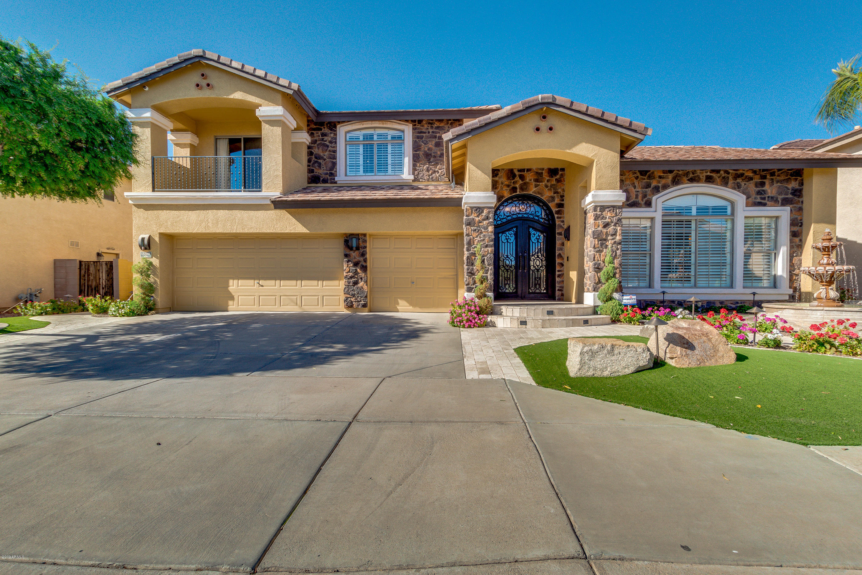 Photo of 13318 W SOLANO Drive, Litchfield Park, AZ 85340