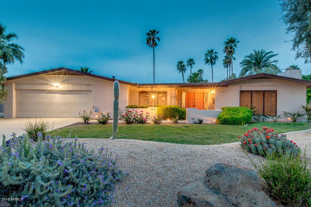 Photo of 125 E CAMPINA Drive, Litchfield Park, AZ 85340