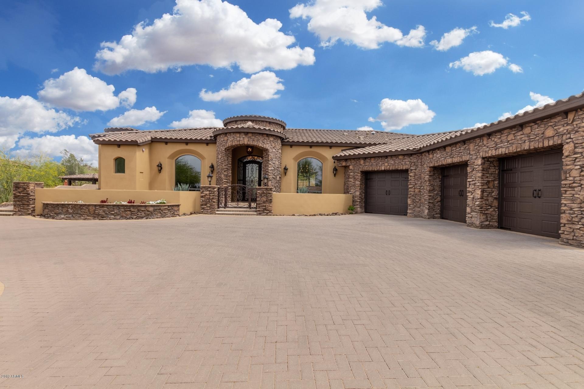 Photo of 3231 N LADERA Circle, Mesa, AZ 85207