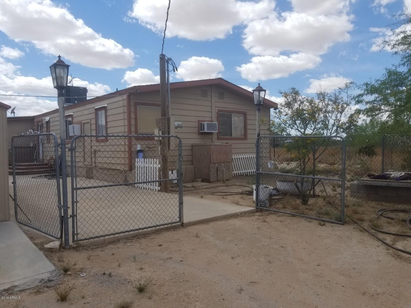 Photo of 56016 W PULK Place, Maricopa, AZ 85139
