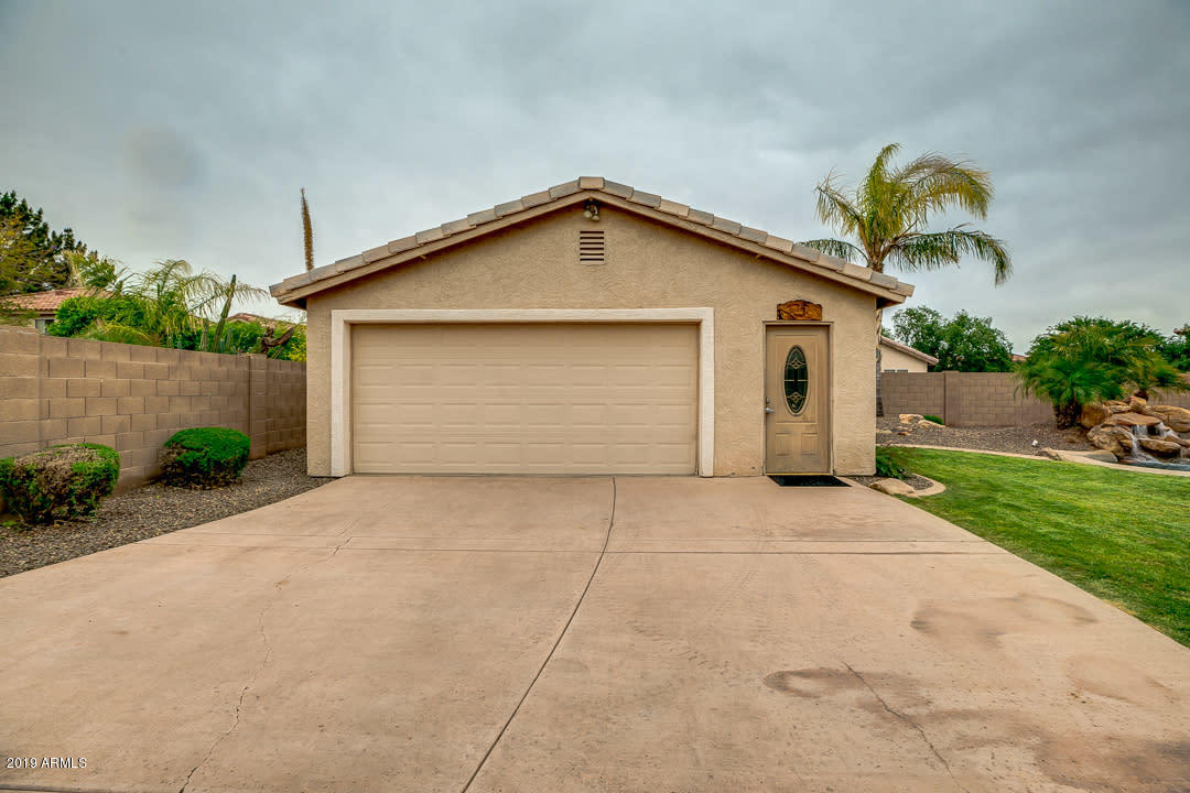 MLS 5913143 12702 W SUNNYSIDE Circle, El Mirage, AZ 85335 El Mirage AZ Private Pool