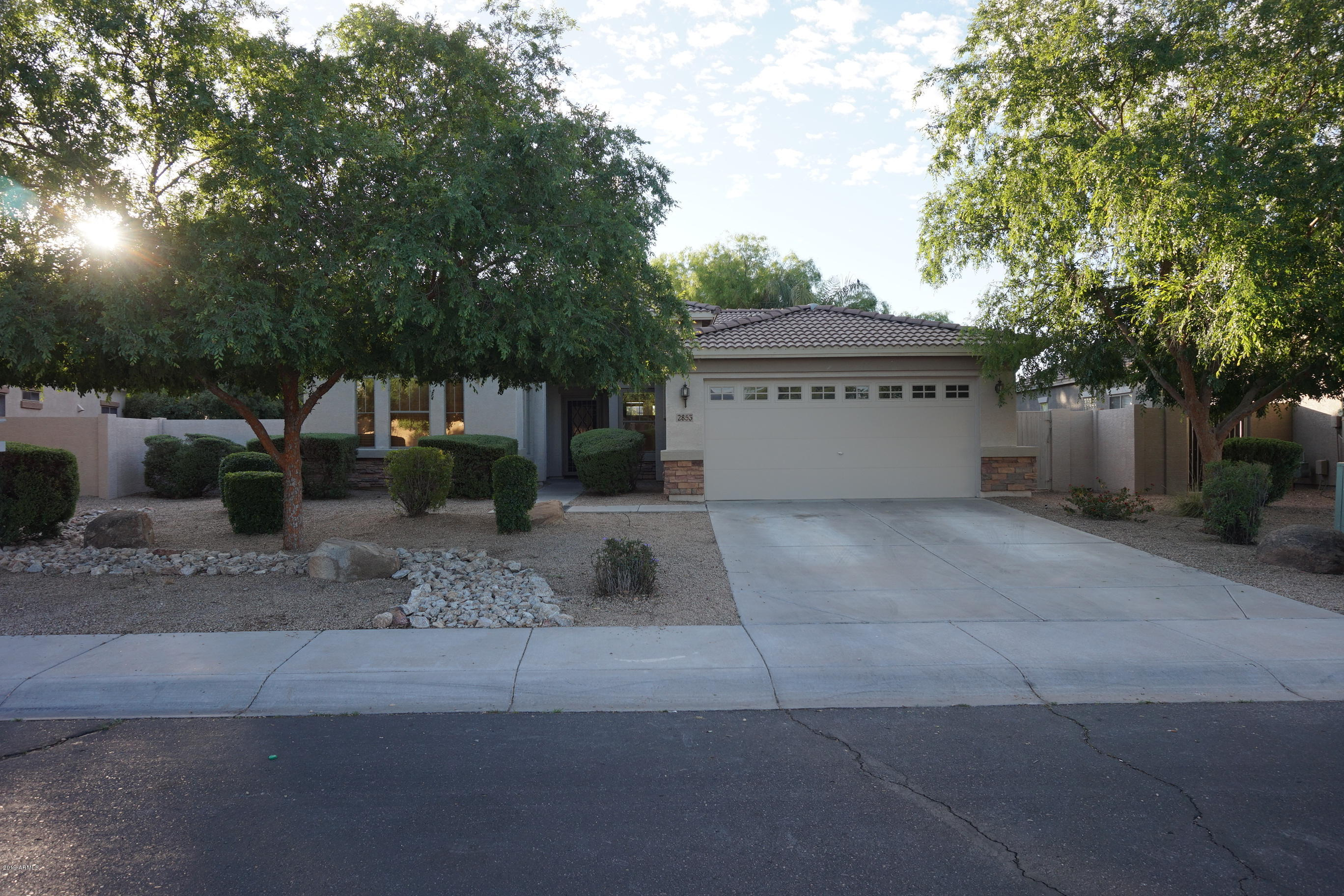 Photo of 2853 S BUCKSKIN Way, Chandler, AZ 85286
