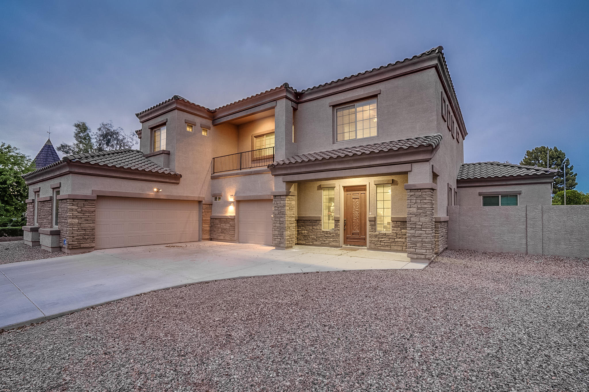Photo of 702 E CARVER Road, Tempe, AZ 85284