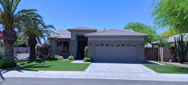 Photo of 2093 E TORREY PINES Place, Chandler, AZ 85249