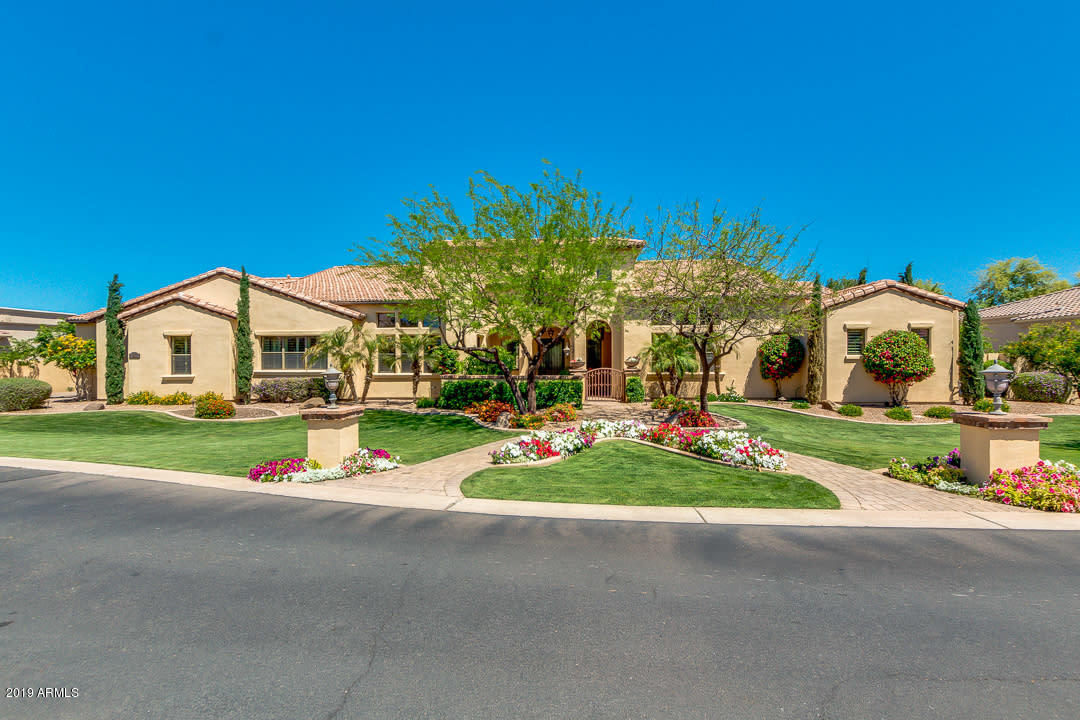Photo of 2716 E CAROB Drive, Chandler, AZ 85286