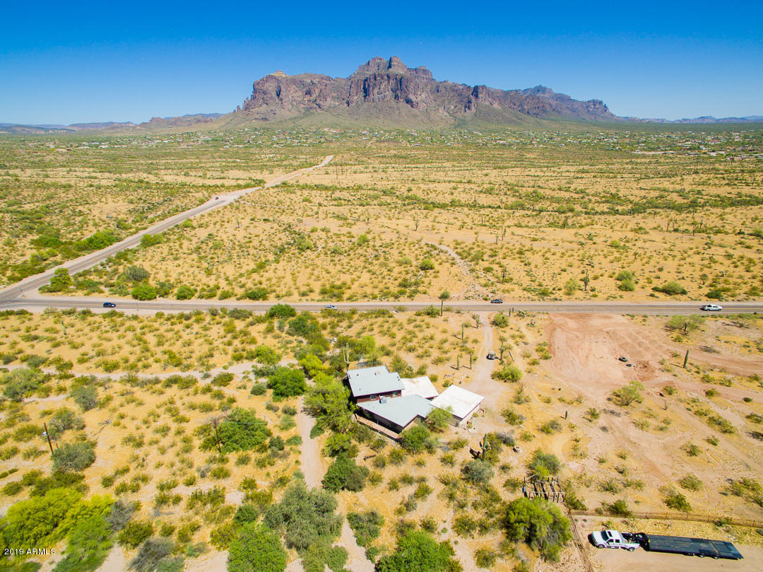 MLS 5917345 2228 N GOLDFIELD Road, Apache Junction, AZ 85119 Apache Junction AZ One Plus Acre Home